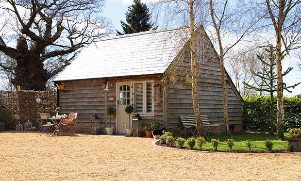 Exterior of Turtledove Hideaway - a converted garage outbuilding