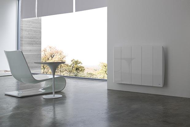 Line R Horizontal from Intelli Heat's Needo Range slim electric radiator