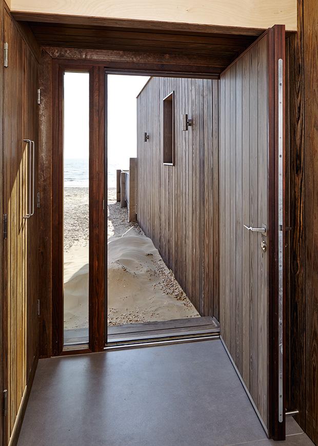 how to fit an external door homebuilding renovating