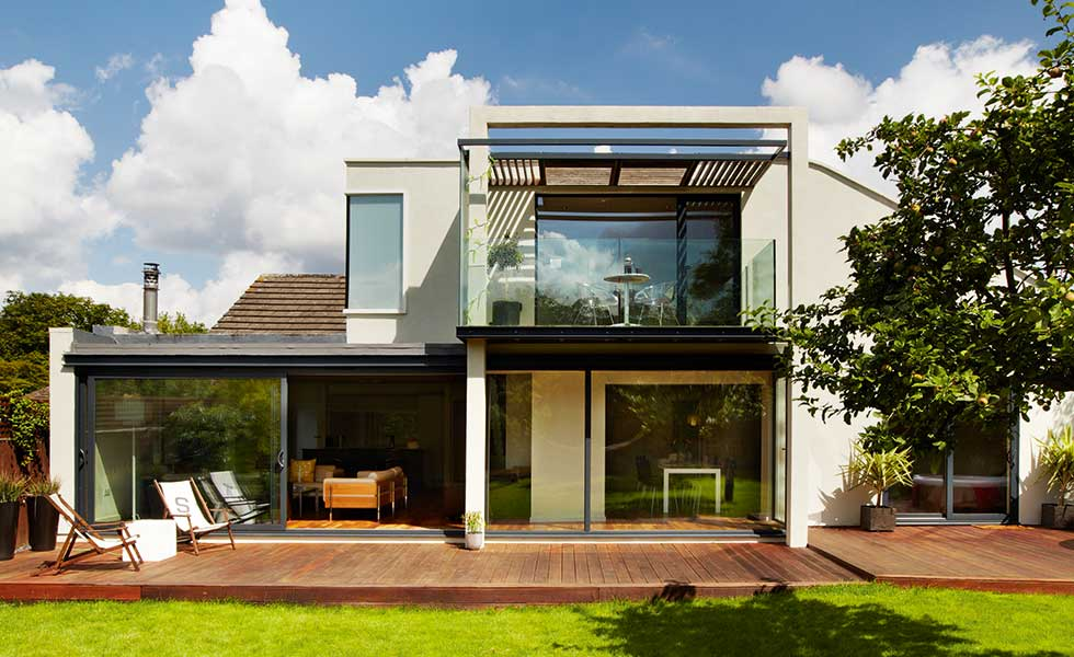Two-storey bungalow extension by Matt Maisuria Architects
