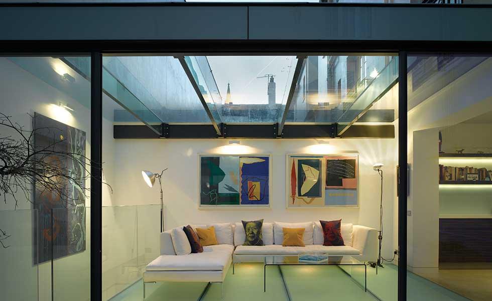 Glazed extension by Belsize Architects