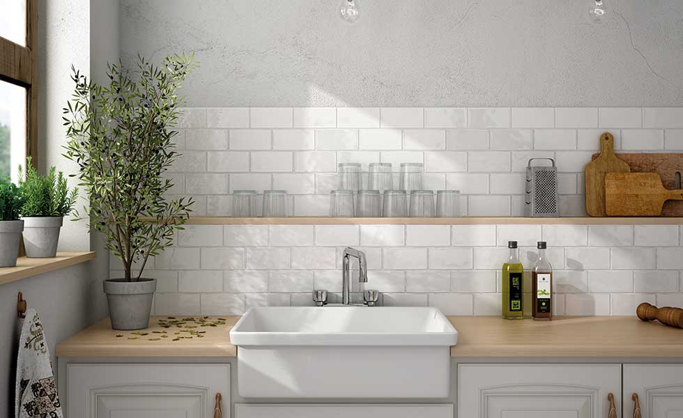 Tiled utility room with large sink