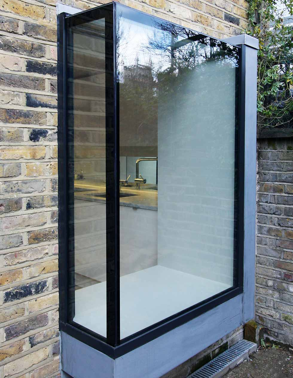 Windows for contemporary homes homebuilding renovating for Modern glass window design