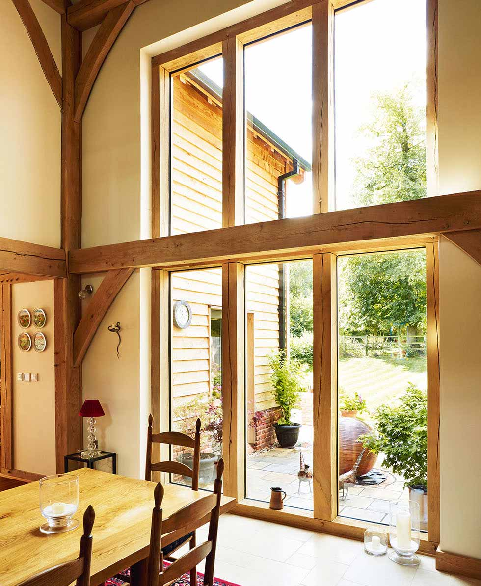 Full-height glazing in the dining room