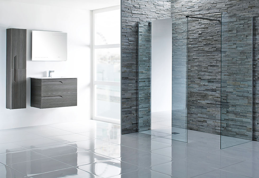 aqua-glass-walk-in