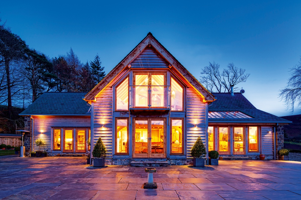 Oak frame home by Welsh Oak Frame