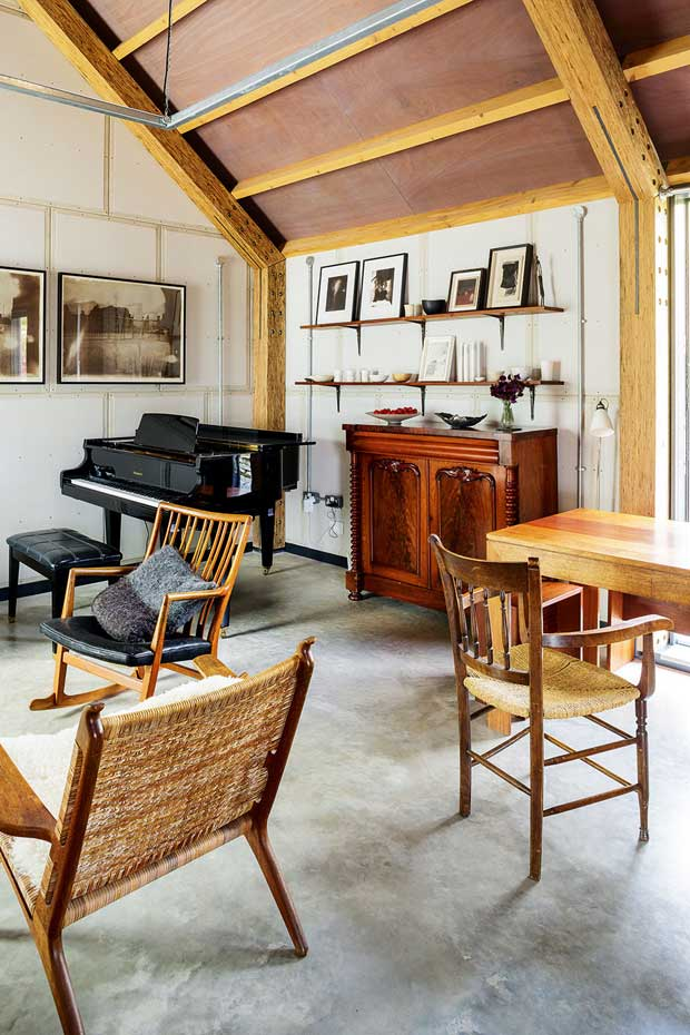 maxwell-barn-living-room-piano-01