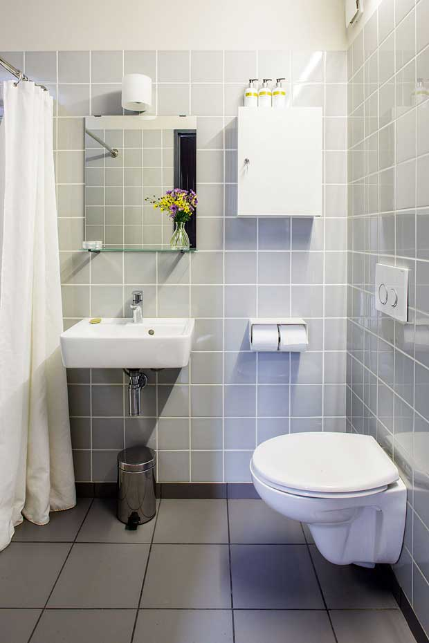 maxwell-barn-shower-room-01
