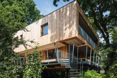 treehouse exterior larch clad passivhaus