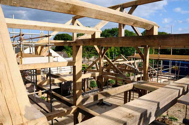 Constructing an oak frame house