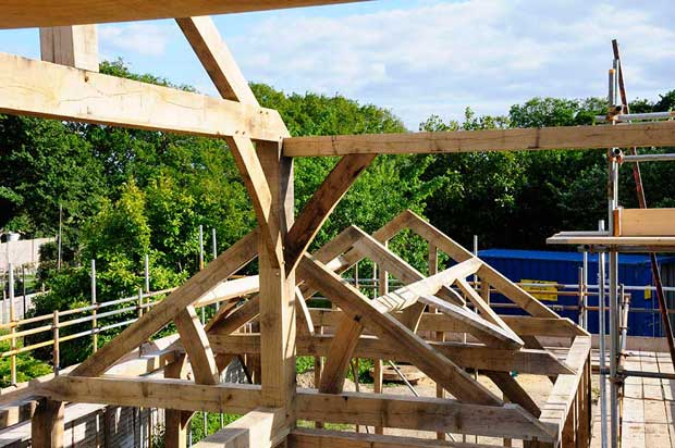 Constructing an oak frame roof