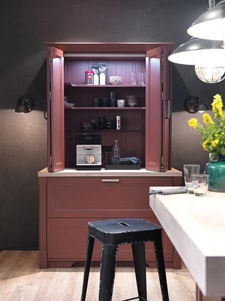 Free-standing kitchen larder unit