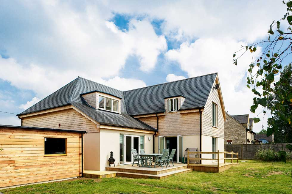 The rear elevation adopts a modern cottage style