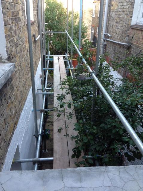 side-scaffold-jo-dyson