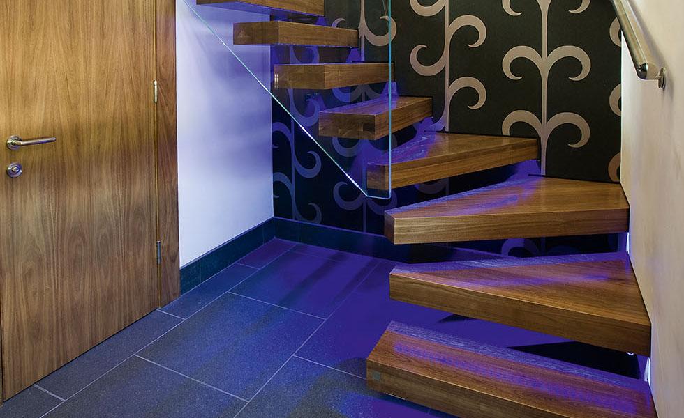 FM - Whole Staircase Lit SFJ