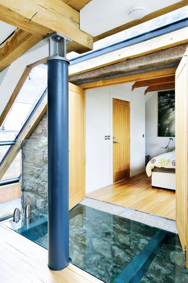 Granite outbuilding converted into bedrooms
