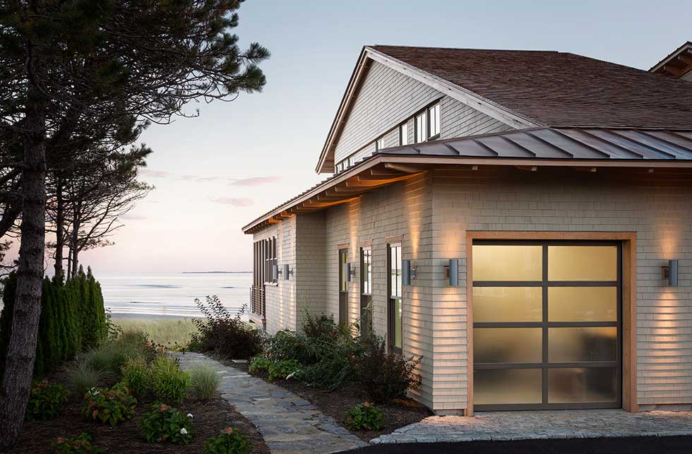 Side elevation of a New England beach house in Maine by CJAB Architects