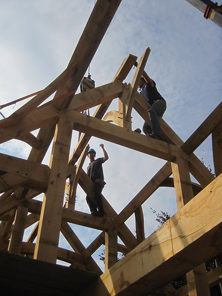 oak-frame-slotting-together