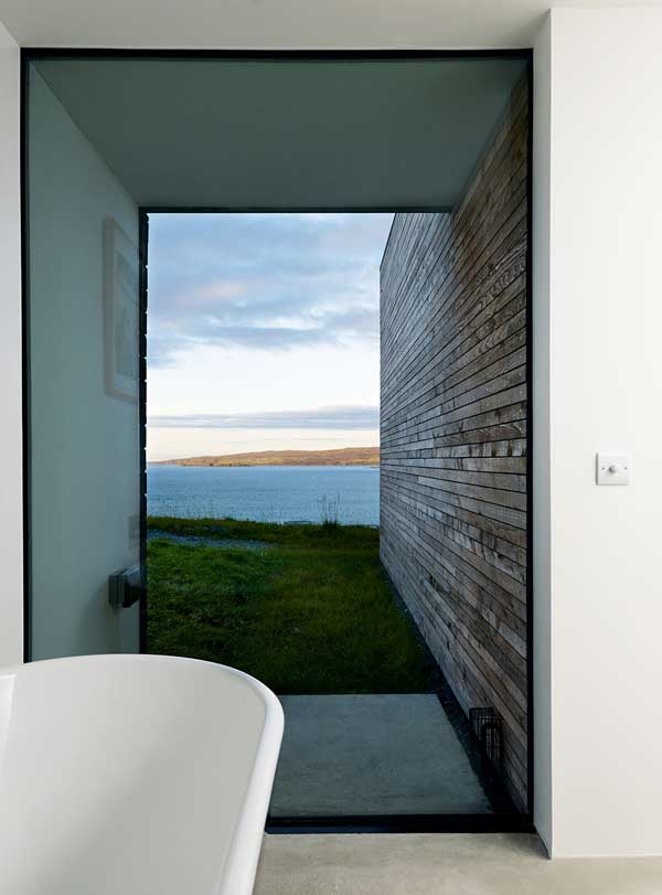 Floor-to-ceiling glazing in a bathroom