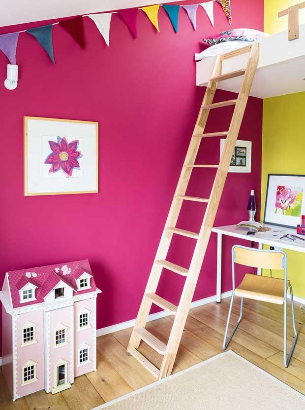 Child's bedroom with mezzanine sleeping area