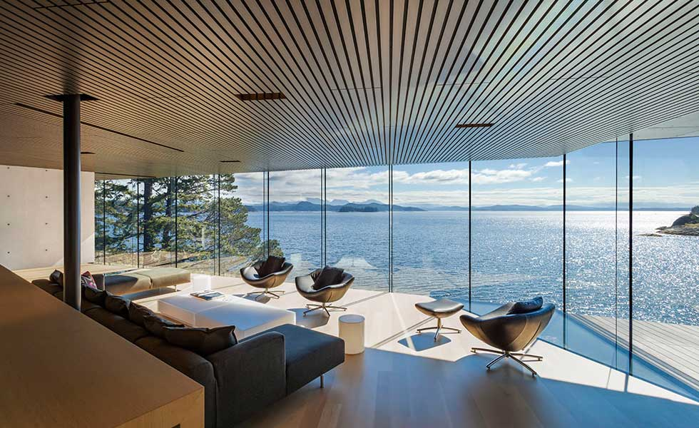 waterfront home in canada