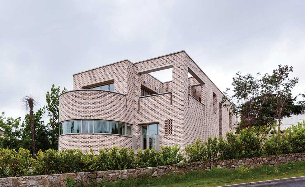 Using Brick In Contemporary Design Homebuilding U0026 Renovatingmodernist Brick Home In Dublin
