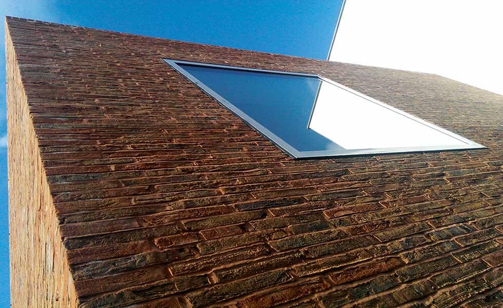 York Handmade long format Maxima brick on a modern home