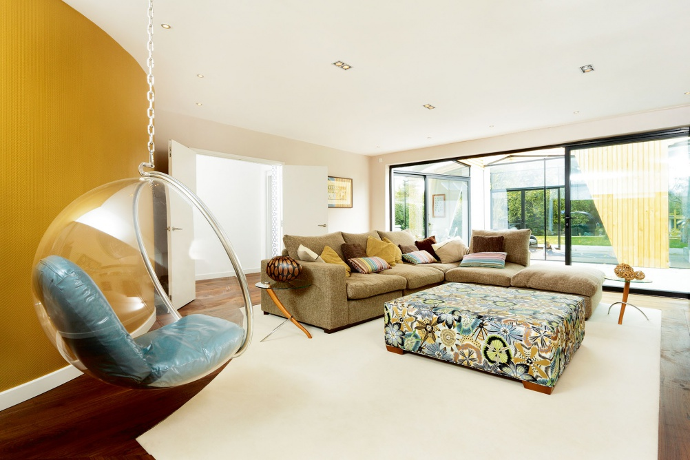 A Central Focal Point, Such As A TV Or Fireplace, Helps To Provide A Sense  Of Retreat And Solace. Living Room 1 Part 64