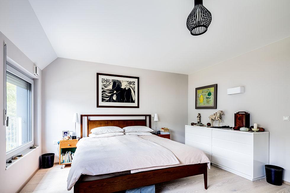 walden-house-bedroom
