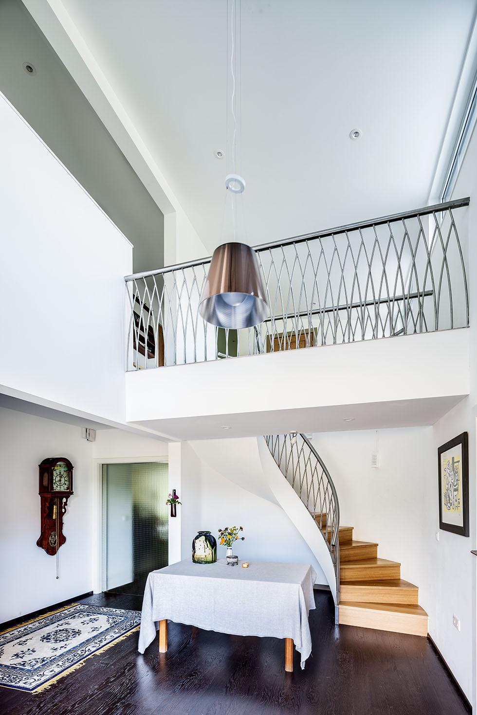 walden-house-entrance-hall