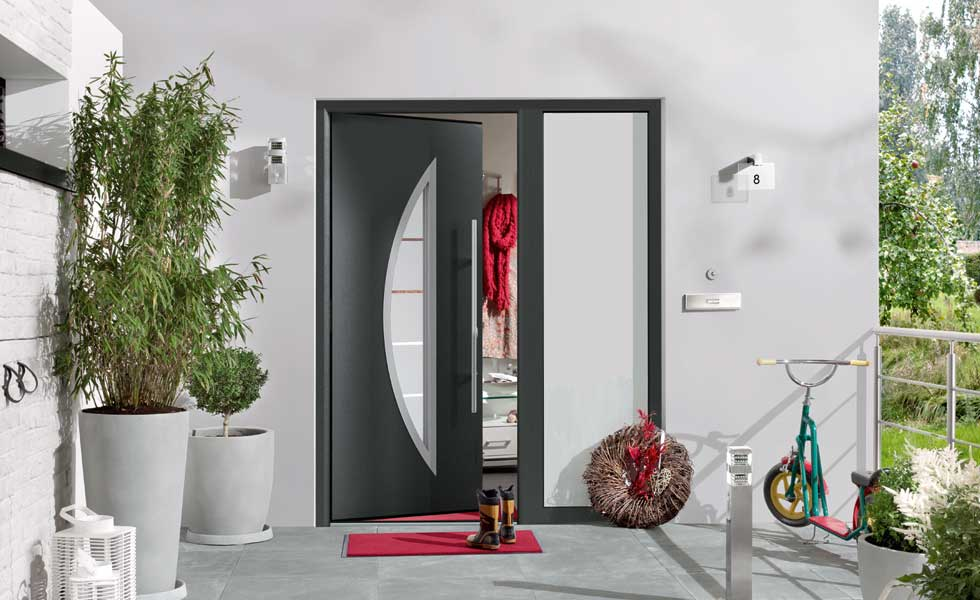 Thermo46 front door from Hormann