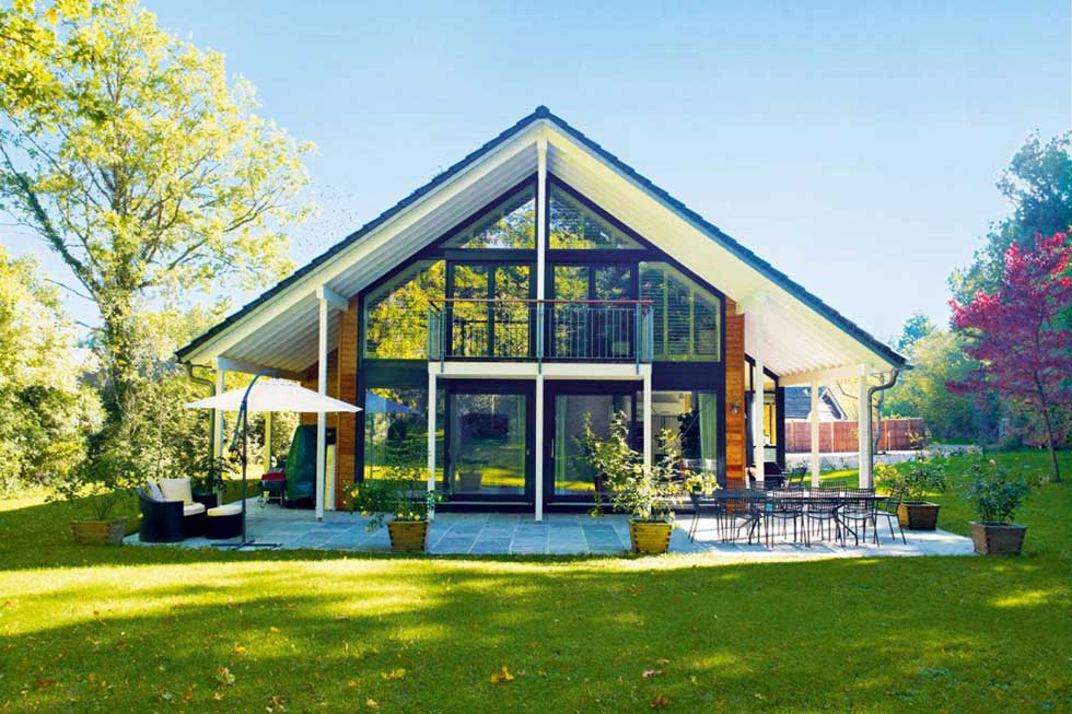 13 inspiring kit homes homebuilding renovating for Small house design germany