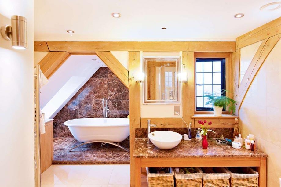 Wilkie1-bathroom-beams