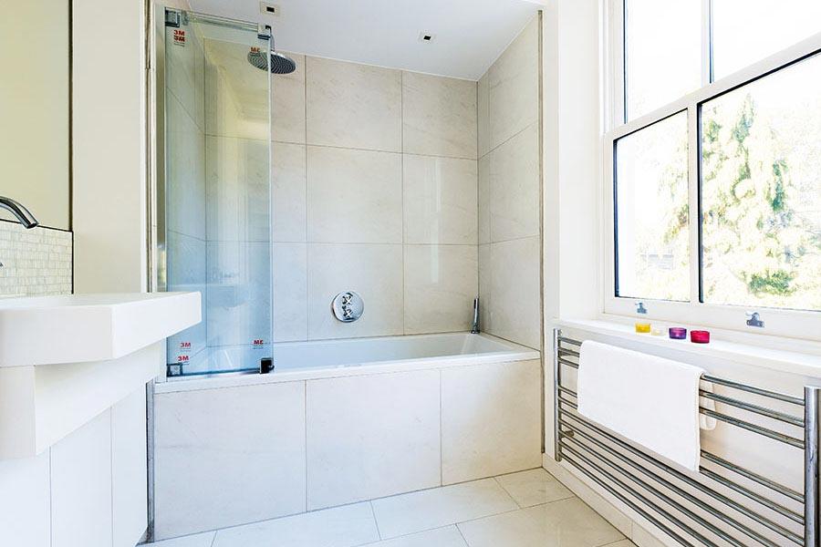 Wilson-Bathroom-white