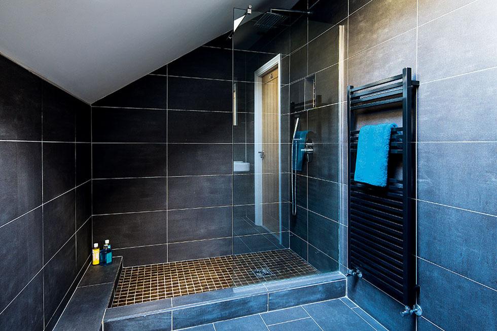 bancroft-house-bathroom-black