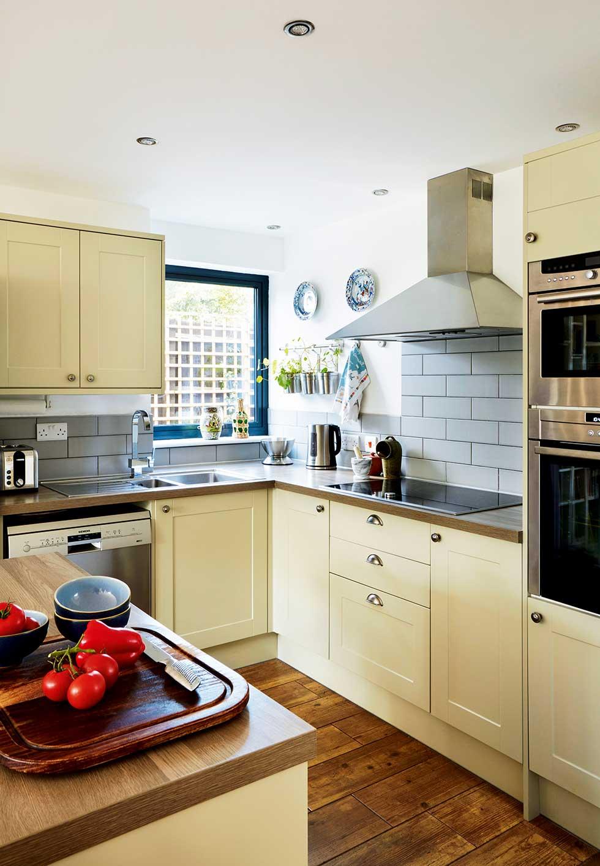 davies-self-build-shaker-kitchen