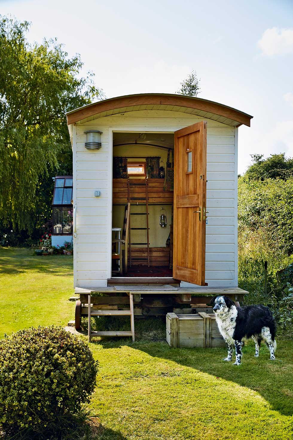 davies-self-build-shepards-hut