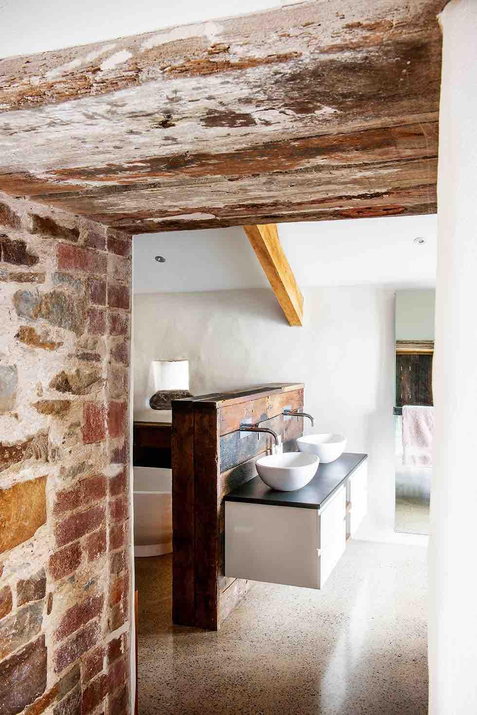 guest bathroom wooden room divider