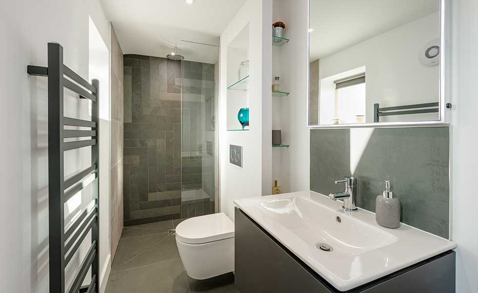 contemporary-bathroom-with-built-in-storage