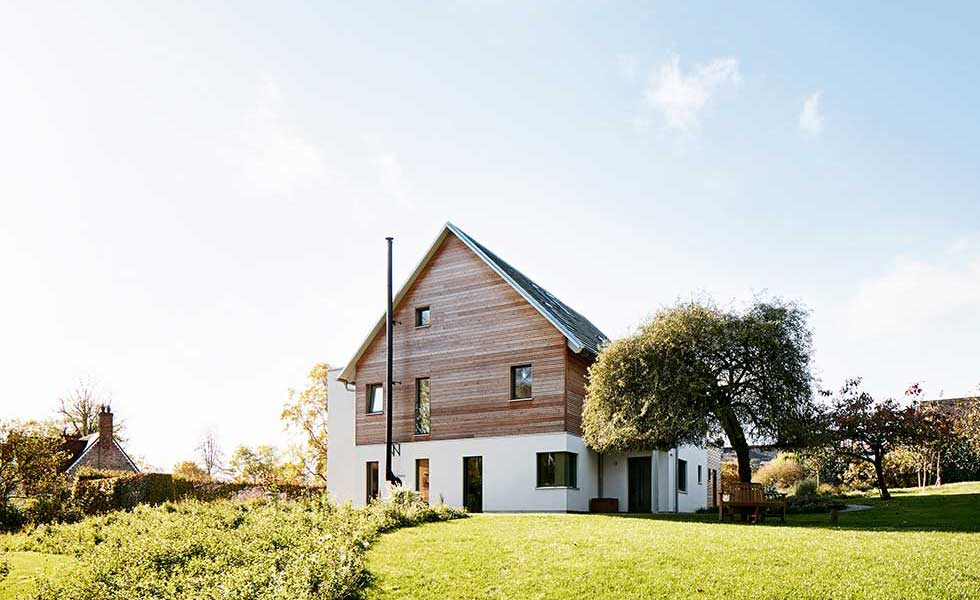 Baufritz package build with timber cladding
