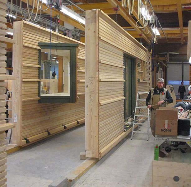 hanse house closed panel system being built in factory