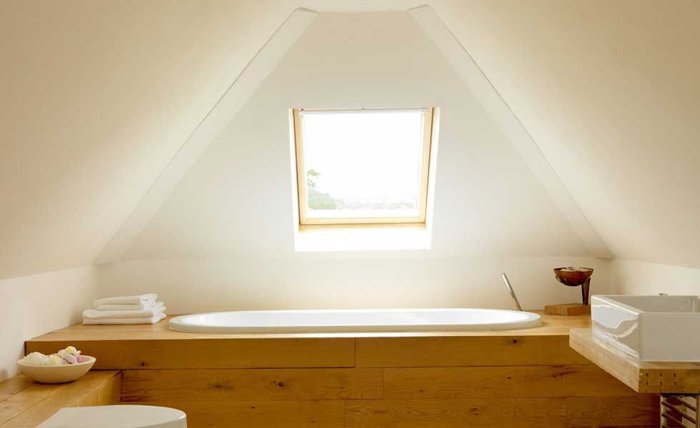 Loft conversion beginners guide homebuilding renovating bathroom in a modern loft conversion solutioingenieria Gallery