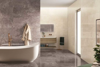 Neutral tiles in a bathroom