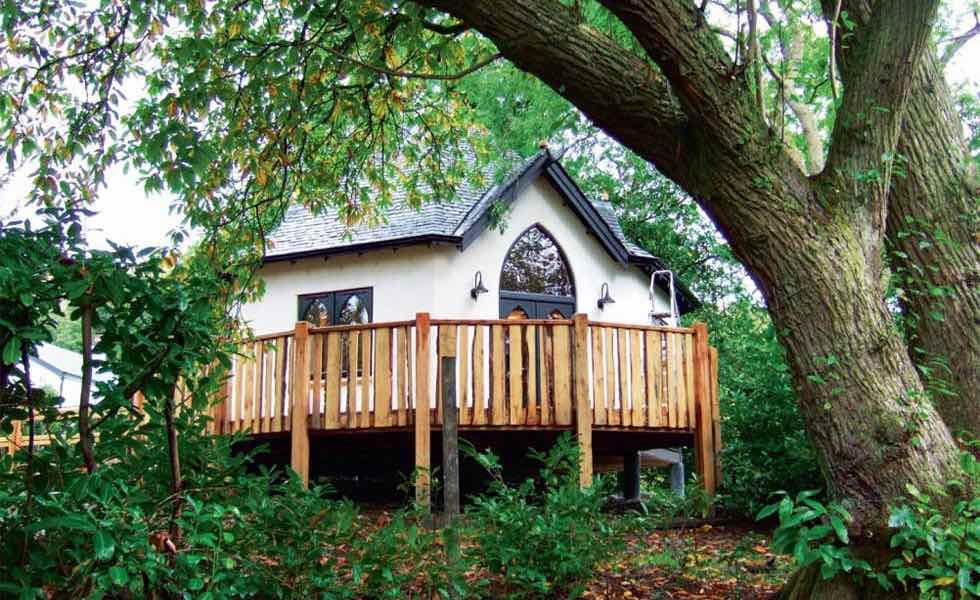 self built treehouse