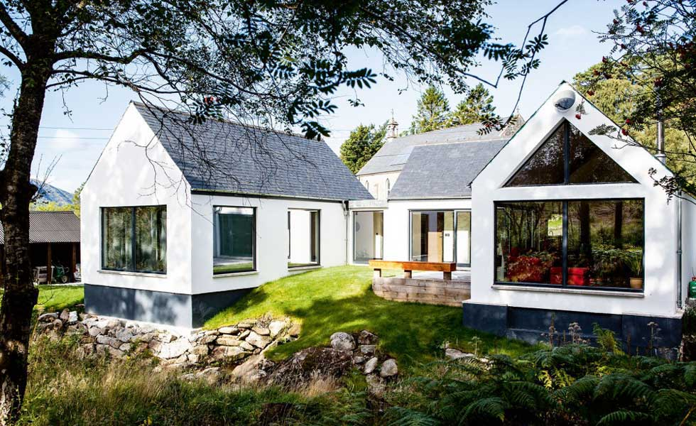5 Homes That Prove Bungalows Aren\'t Just For OAPs | Homebuilding ...