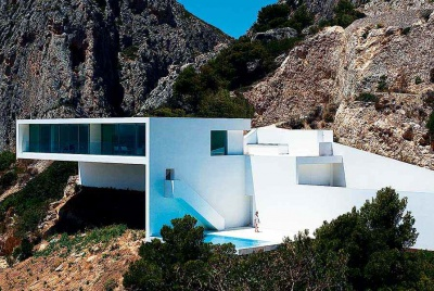 cliff house by Fran Silvestre architects