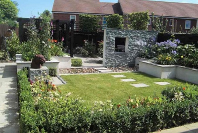 linsey evans garden wall