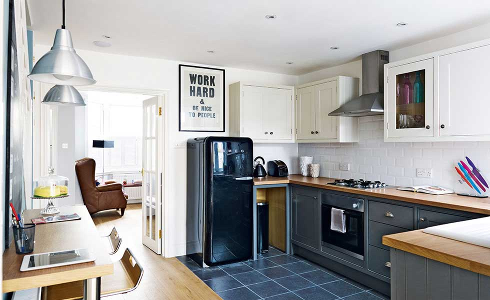 Kitchen Diner In Victorian Terrace With Smeg Fridge