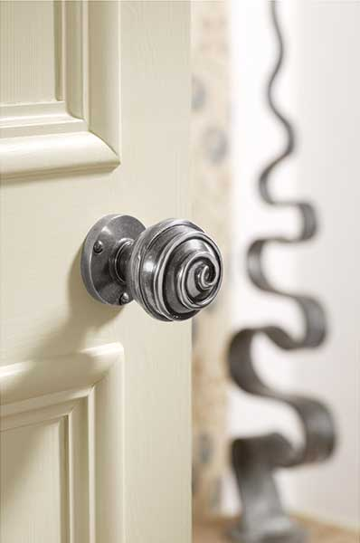 Finesse-Swirl-Knob-from-Ironmongery-Direct
