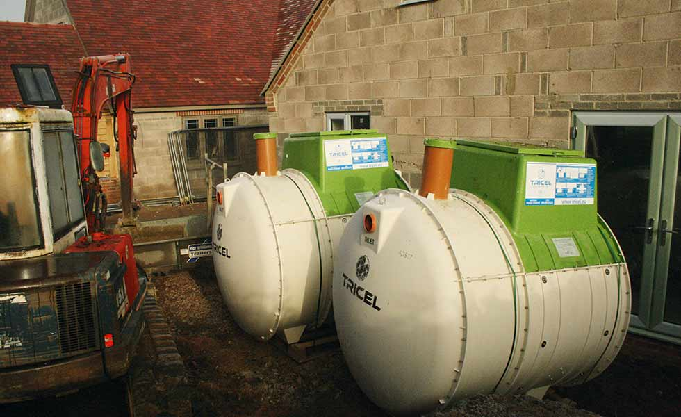 The tanks from Avanti gas arrive on site ready to be lifted into the ground